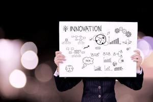 Innovazione_Ufficio_Tecnologie_Donna_Cartello