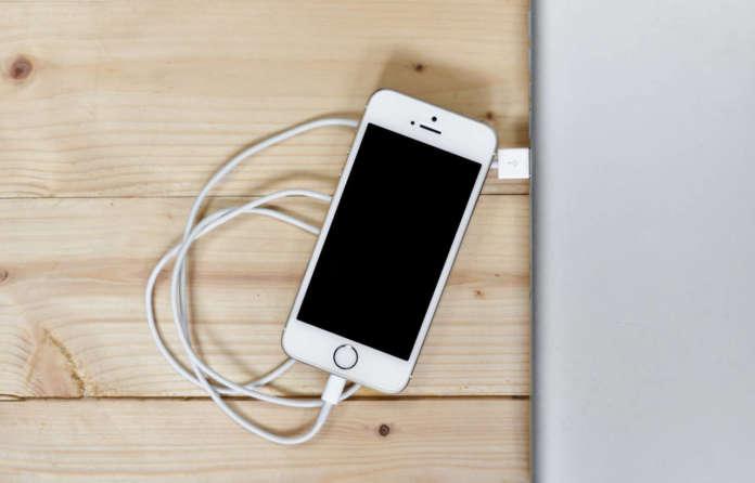 mac usb caricare l'iphone