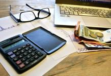 Tasse fisco calcolatrice soldi dichiarazione Iva
