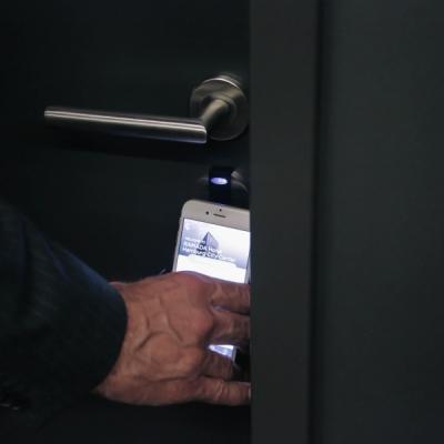 hotel conichi smartphone