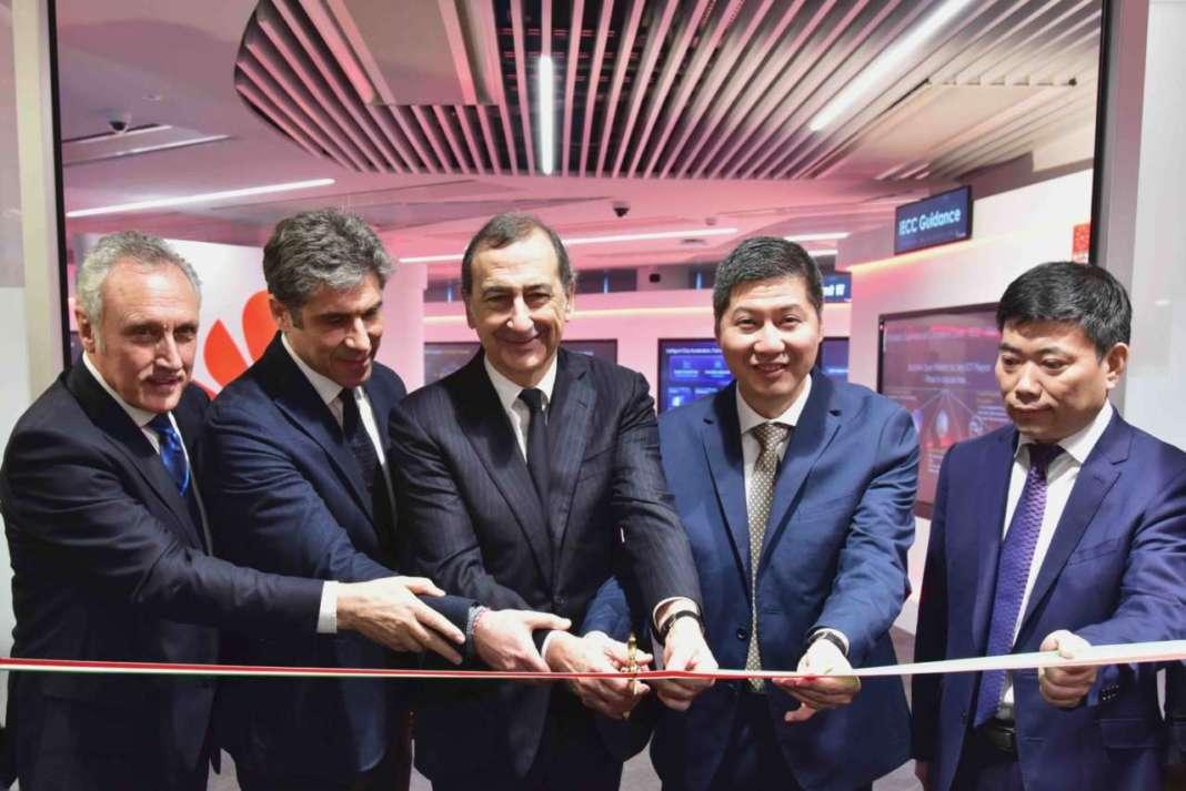 Inaugurati i nuovi uffici huawei a milano 01net for Uffici a milano