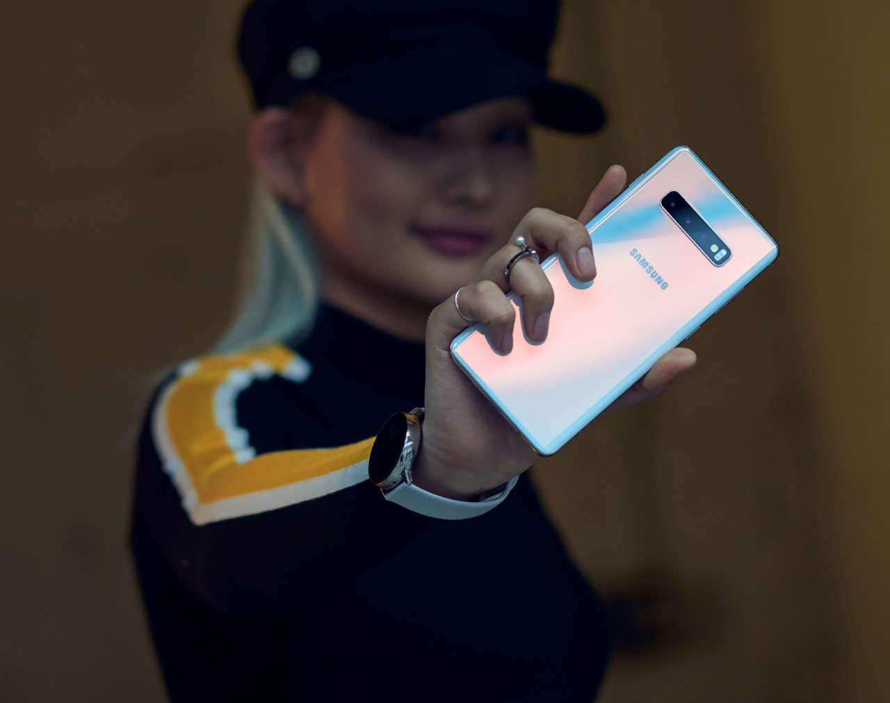 smartphone millennial