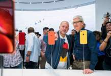 Apple-tim-cook-jonathan-ive