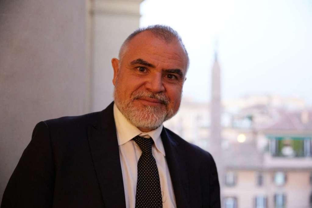 Corrado Farina - Relicense