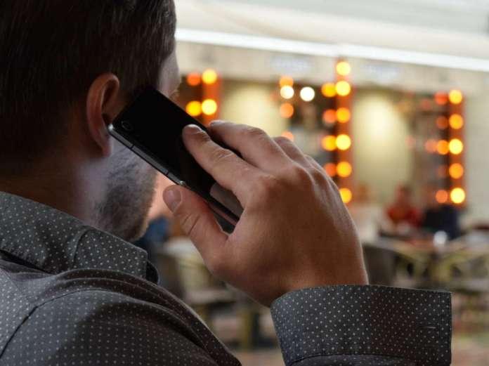 Telefono biometria vocale