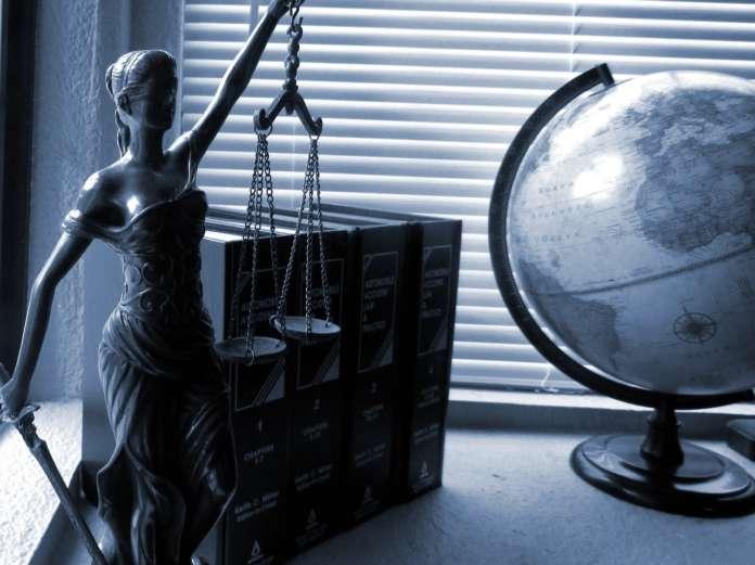 facebook corte giustizia