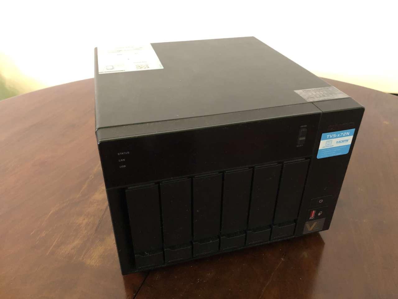 QNAP TVS-672N - Fronte