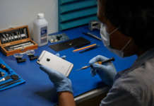 Apple iPhone repair program