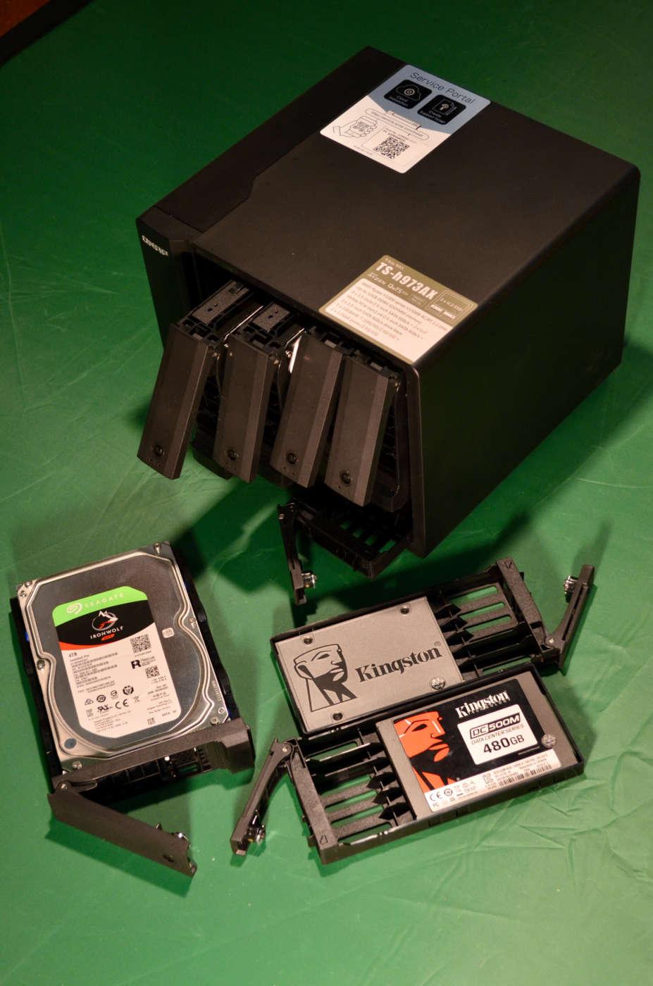 QNAP TS-h973AX - I dischi