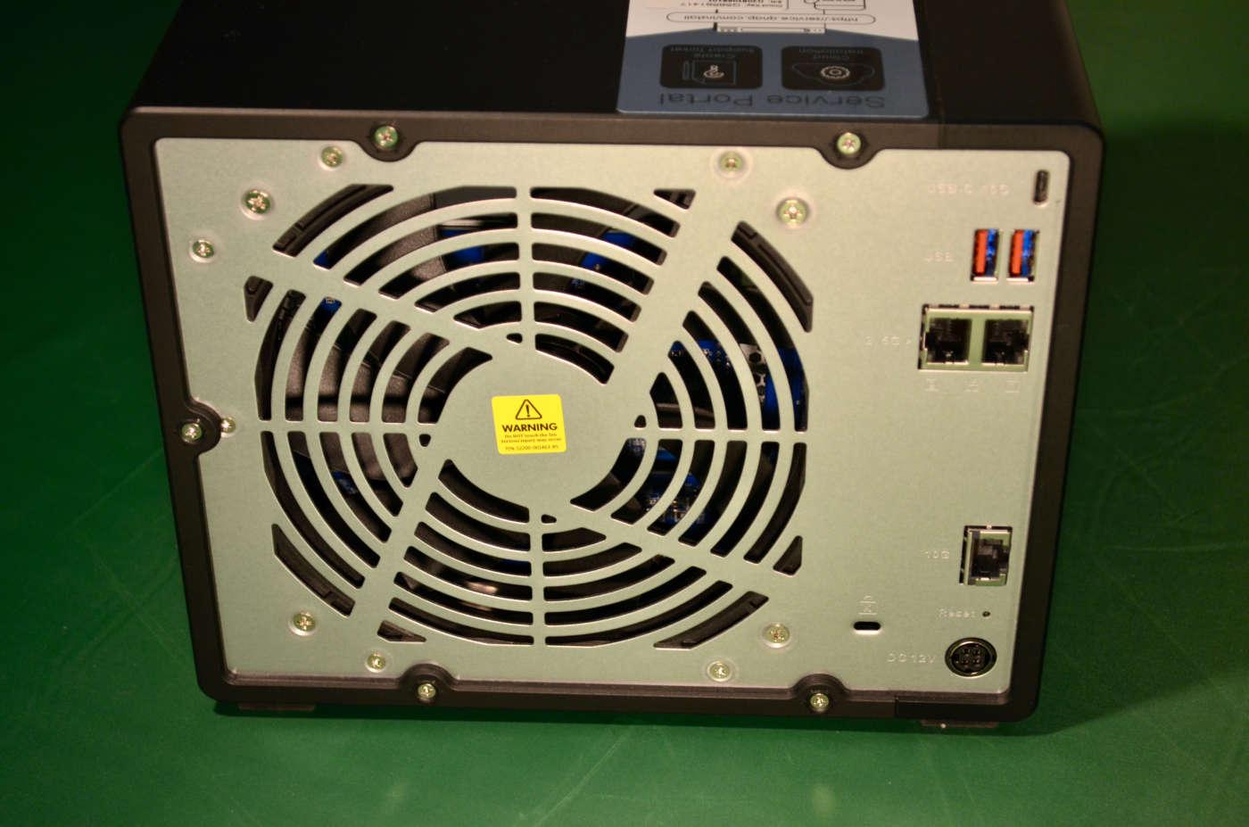 QNAP TS-h973AX - Retro